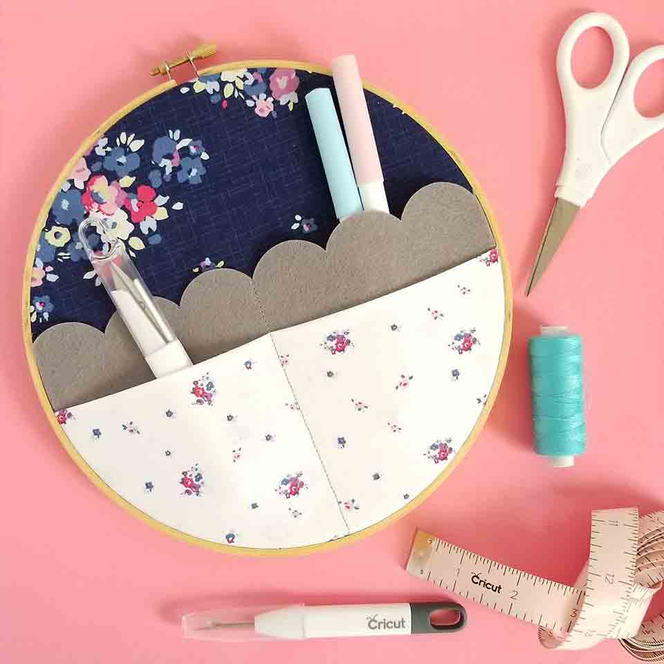 how to make an embroidery hoop organizer