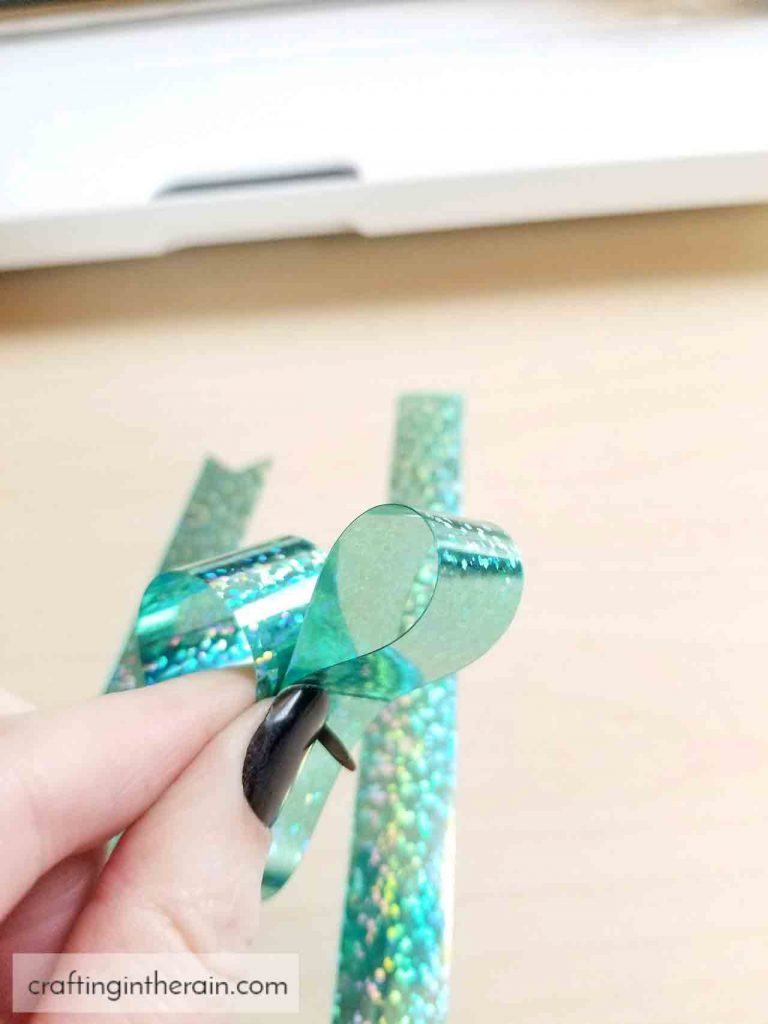 how to make a bow with party foil
