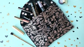 15 Minute Sewing Project- DIY Makeup Bag With Free Pattern and Instructions Using The Cricut Maker