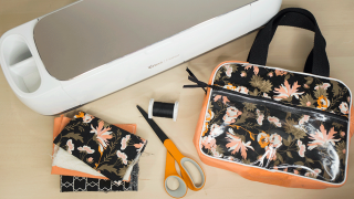 Sewing with the Cricut Maker – Simplicity Cosmetic Tote