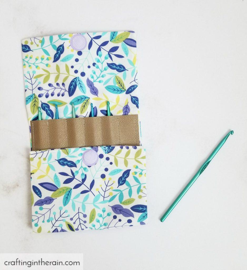 Crochet hook pouch pattern