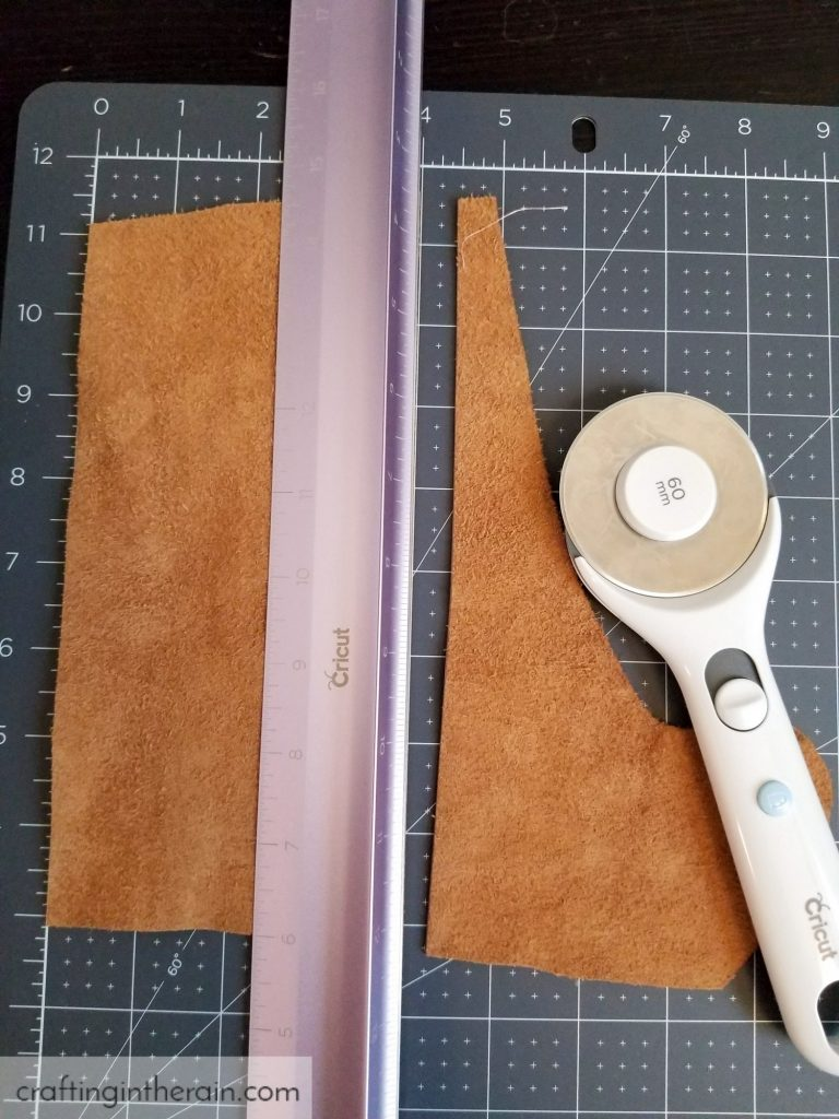 Cut leather with rotary cutter
