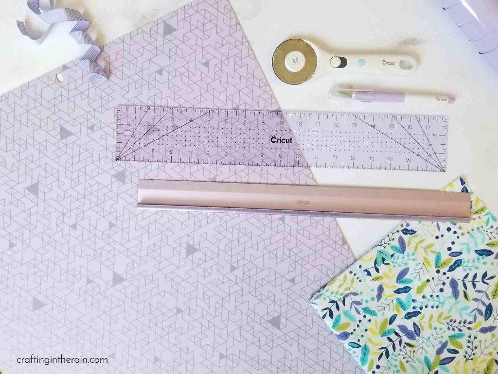 Lilac Cricut hand tools