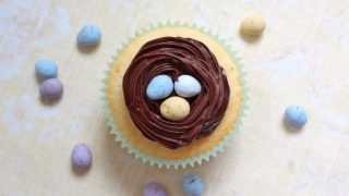 A Simple Easter Cupcake