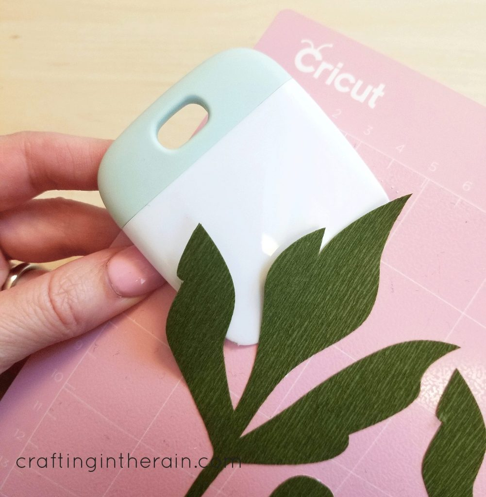 Remove crepe paper from Cricut mat