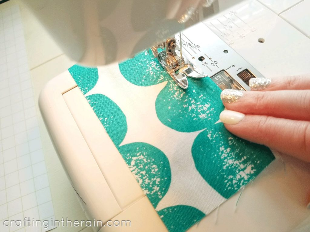 Sewing hem with sewing machine