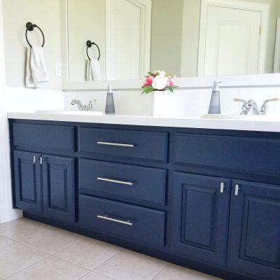Rust-Oleum Cabinet Transformation Bathroom