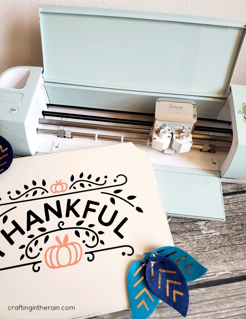 Cricut made thanksgiving sign
