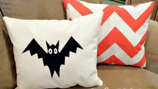 DIY Fall Pillows Using Screen Print Paint...