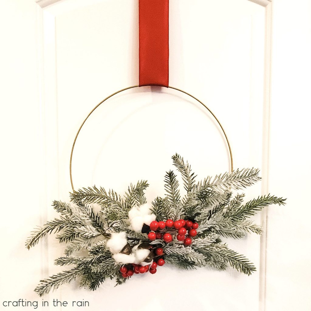 Red berry cotton pine wreath