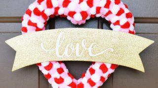 Easy Pom Pom Valentine Wreath