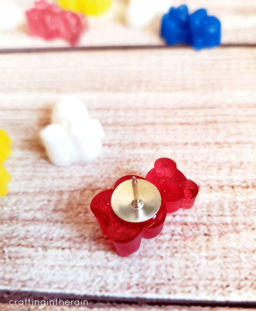 resin bear thumb tack