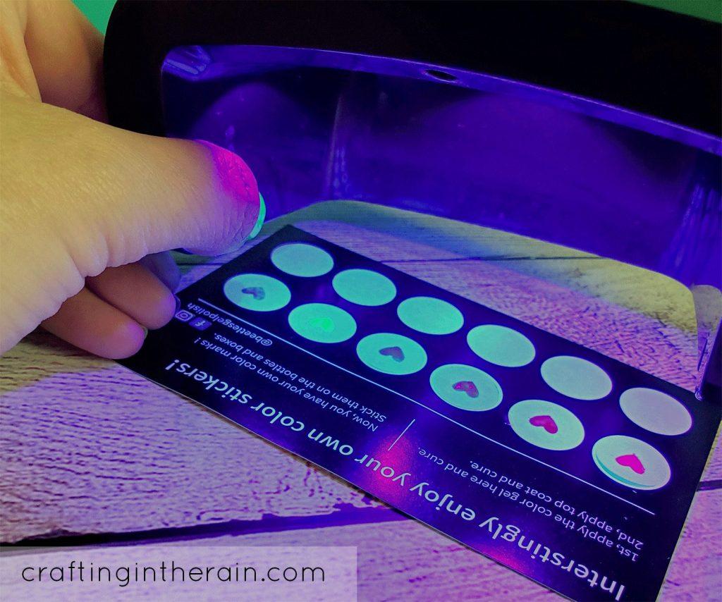 Curing gel polish under light