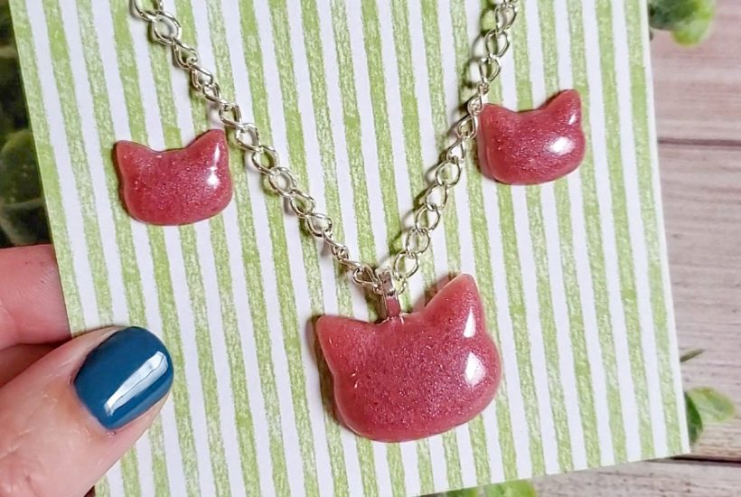 Make jewelry with resin