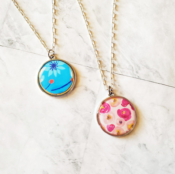 resin coated paper necklace